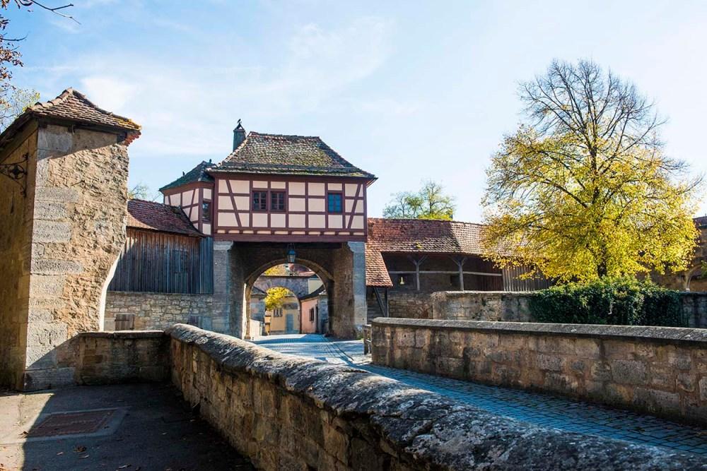 Porten gjennom Rothenburg ob der Taubers bymur ved Röderturm