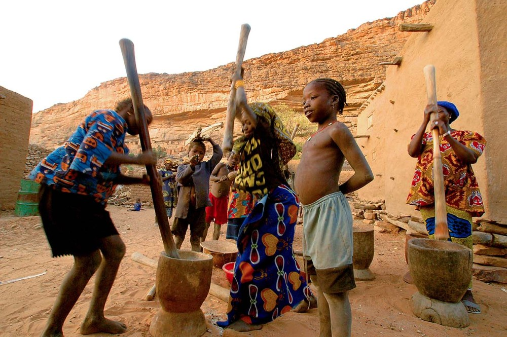 matlaging i landsbyen Teli i Dogonland