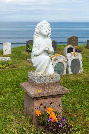 Ervik gravplass