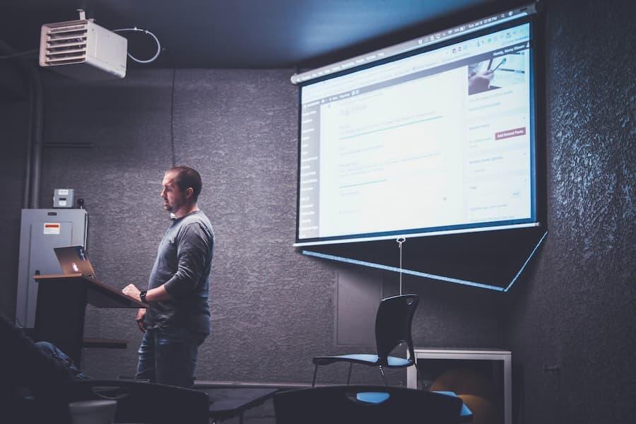 8 consejos que le ayudarán a mejorar su capacidad para realizar presentaciones de forma remota