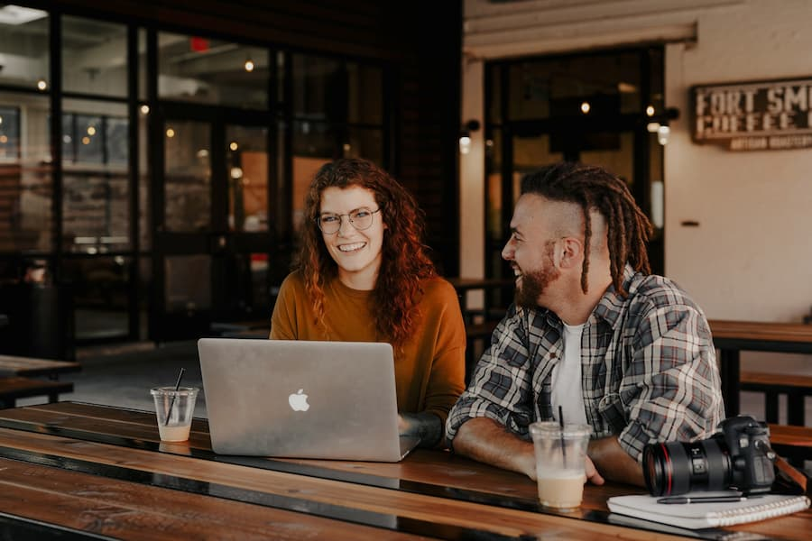 ¡Cómo conectarse de manera efectiva con sus clientes virtualmente en 2021!