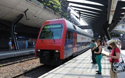 محادثات اللغة الالمانية في محطة القطار