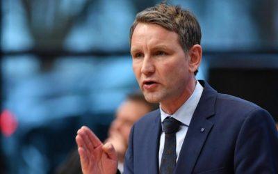 """سياسي ألماني متطرف : """" سنضع حداً لثلاث كلمات في تركيا .. محمد مؤذن مئذنة """" !"""