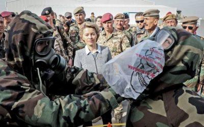 """وزيرة الدفاع الألمانية : لن ننسى أبداً تضحيات البيشمركة التي حاربت """" داعش """" نيابة عن العالم"""