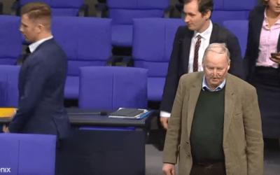 كيف فشلت محاولة الحزب اليميني المتطرف الانتقام من الأحزاب الألمانية  وخروجه بموقف مخجل +(فيديو)