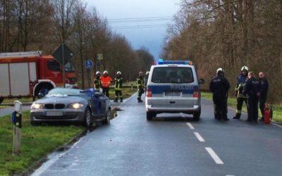 ألمانيا : بسبب العاصفة .. شجرة تسقط على سيارة و تودي بحياة سائقها !