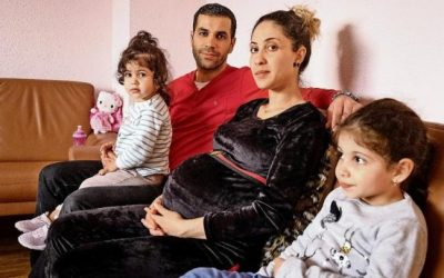 في ألمانيا .. طيار يمنع ترحيل امرأة عربية حامل