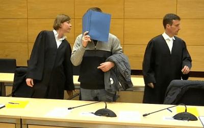 """يورونيوز : """" محكمة في ألمانيا تأمر بسجن رجل مدى الحياة بسبب شطيرة زميله """" ( فيديو )"""
