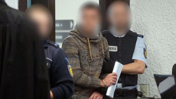 ألمانيا : السجن لشاب سوري متهم بتعذيب عنصرين من ميليشيات بشار الأسد في سوريا