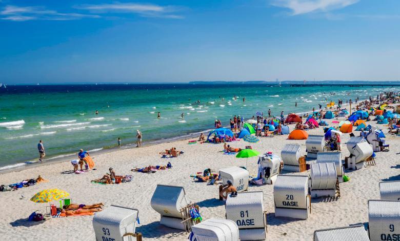 """ساحل بحر البلطيق في ألمانيا يستعد لاستقبال السائحين المحليين مجدداً """" في ظل شروط معينة """""""