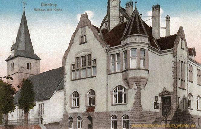 Barntrup mit Rathaus mit Kirche