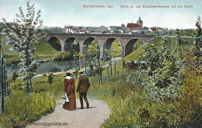 Bartenstein Opr., Blick an der Eisenbahnbrücke auf die Stadt