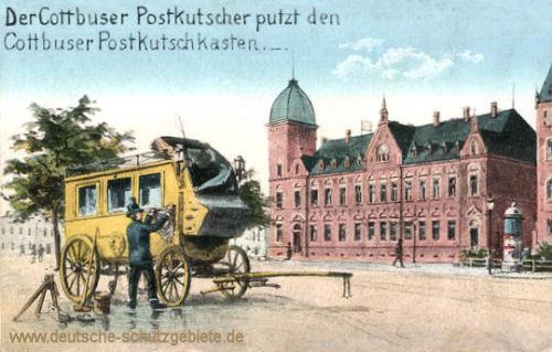 Cottbus, Der Cottbuser Postkutscher putzt den Cottbuser Postkutschkasten