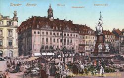 Dresden, Altmarkt, Rathaus, Blumenmarkt, Siegesdenkmal