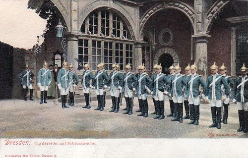 Dresden, Gardereiter auf Schlosswache