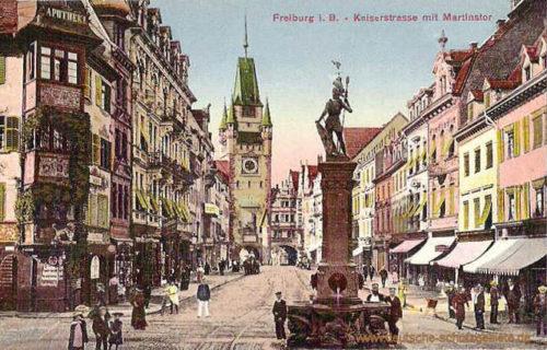 Freiburg i. B., Kaiserstraße mit Martinstor