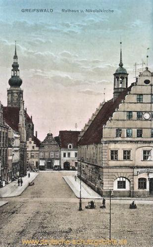 Greifswald, Rathaus und Nikolaikirche