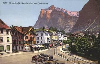 Grindelwald, Bahnhofplatz und Wetterhorn