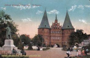 Lübeck, Bismarck-Denkmal, Holstentor