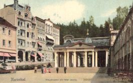 Marienbad, Kreuzbrunnen mit Hotel Leipzig
