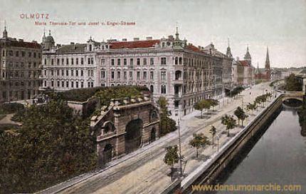 Olmütz, Maria Theresia-Tor und Josef von Engel-Straße