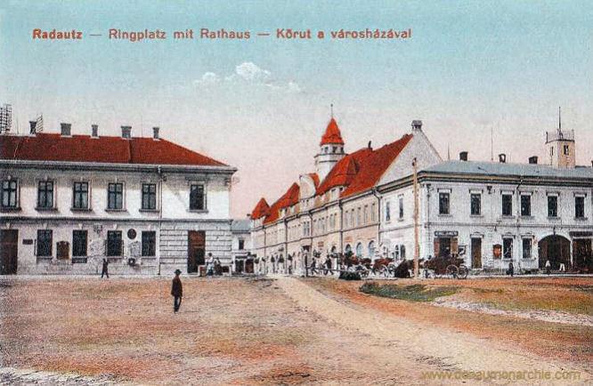 Radautz, Ringplatz mit Rathaus