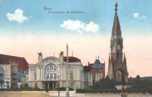Thorn, Siegesdenkmal mit Stadttheater