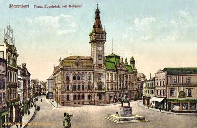 Jägerndorf, Franz Josefplatz mit Rathaus
