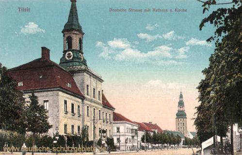 Tilsit, Deutsche Straße mit Rathaus und Kirche