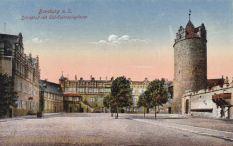Bernburg, Schlosshof mit Till-Eulenspiegelturm