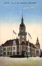 Güstrow, Post mit Brunnen und Pfarrkirche