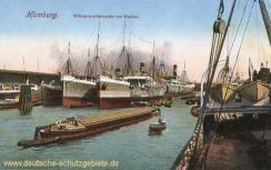 Hamburg, Wörmanndampfer im Hafen