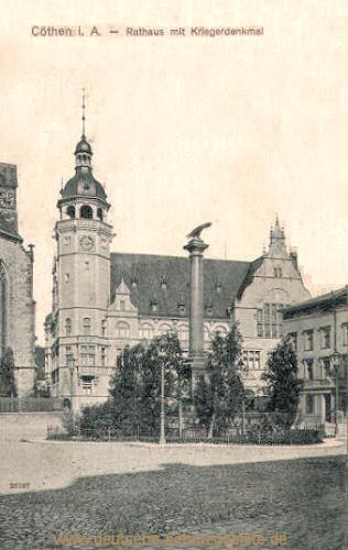 Köthen, Rathaus mit Kriegerdenkmal