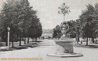Oranienbaum, Marktplatz und Schloss