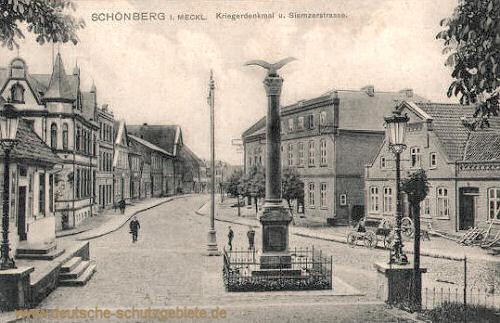 Schönberg i. M. ,Kriegerdenkmal und Siemzerstraße
