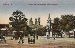 Halberstadt, Domplatz mit Liebfrauenkirche und Kriegerdenkmal