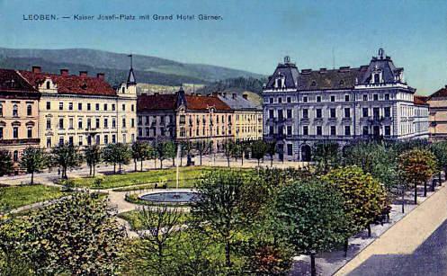 Leoben, Kaiser Franz Josef-Platz mit Hotel Garner
