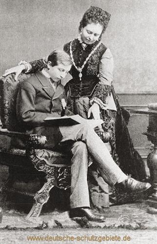 Kronprinzessin Victoria mit ihrem Sohn Wilhelm