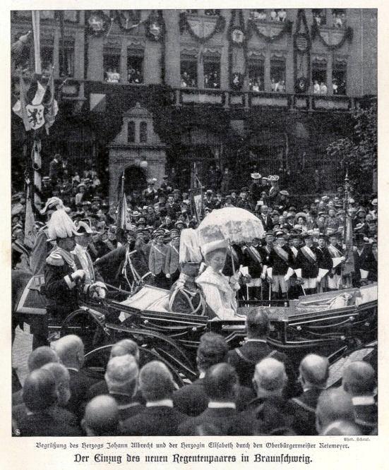 Der Einzug des neuen Regentenpaares in Braunschweig: Begrüßung des Herzogs Johann Albrecht und der Herzogin Elisabeth durch den Oberbürgermeister Retemeyer.