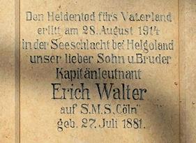 Erich Walter * 27.Juli 1881 - † 28. August 1914, Grabstein an der Nordmauer des Trinitatis - Friedhofes in Riesa, Foto mit freundlicher Genehmigung von Joachim Kockisch