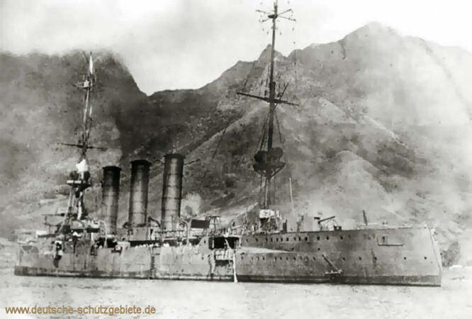 S.M.S. Dresden vor der chilenischen Robison-Insel Juan Fernandez