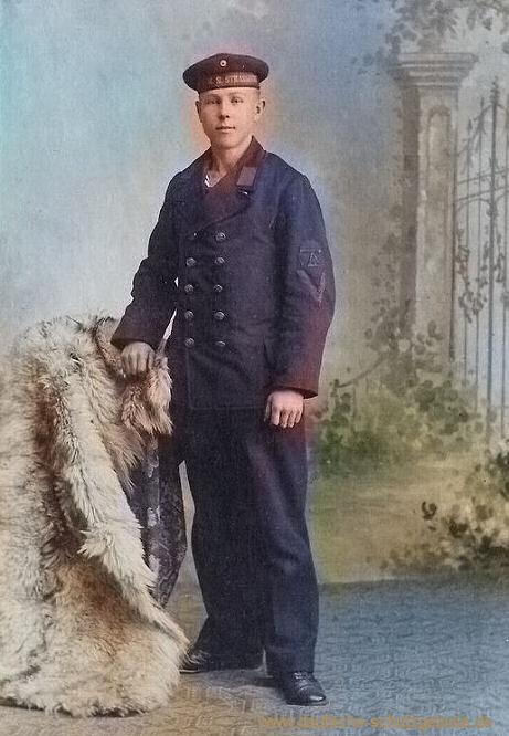 S.M.S. Strassburg, Besatzungsmitglied