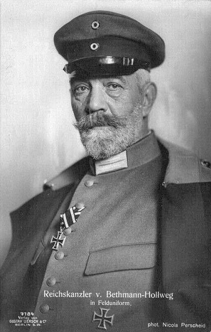 Theobald von Bethmann Hollweg in Felduniform