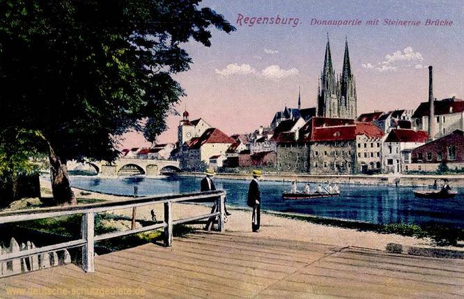 Regensburg, Donaupartie mit Steinerne Brücke