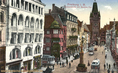 Freiburg i. B., Kaiserstraße mit Martins-Tor