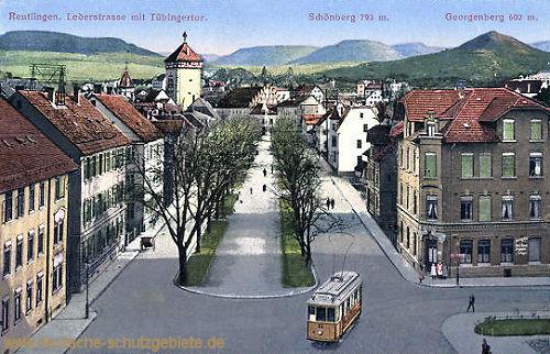 Reutlingen, Lederstraße mit Tübingertor