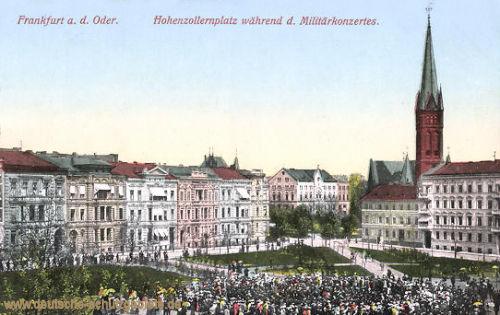 Frankfurt a. d. Oder, Hohenzollernplatz während des Militärkonzertes