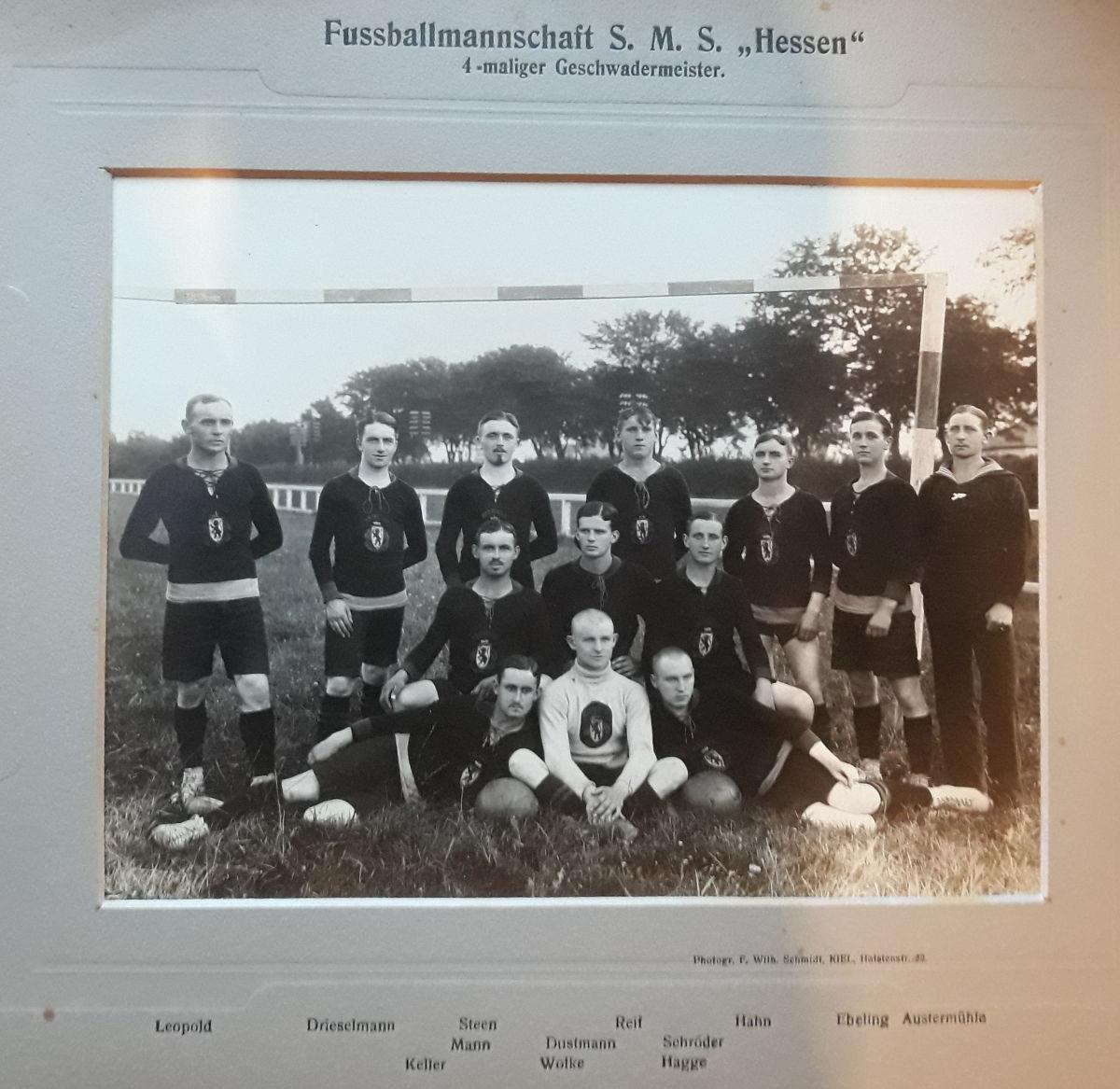 S.M.S. Hessen, Fußballmannschaft