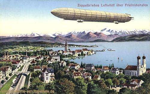 Zeppelin'sches Luftschiff über Friedrichshafen