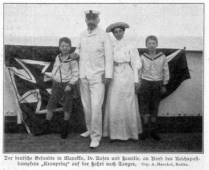 """Der deutsche Gesandte in Marokko, Dr. Rosen und Familie, an Bord des Reichspostdampfers """"Kronprinz"""" auf der Fahrt nach Tanger. Cop. A. Haeckel, Berlin"""